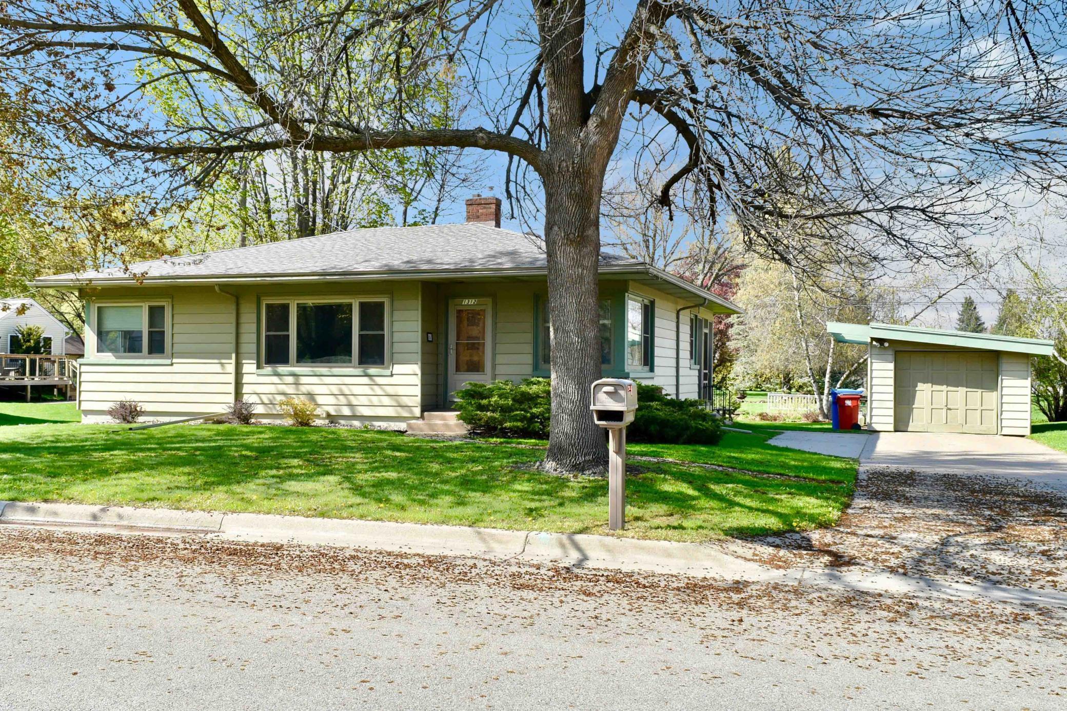 1312 Randall Street Property Photo