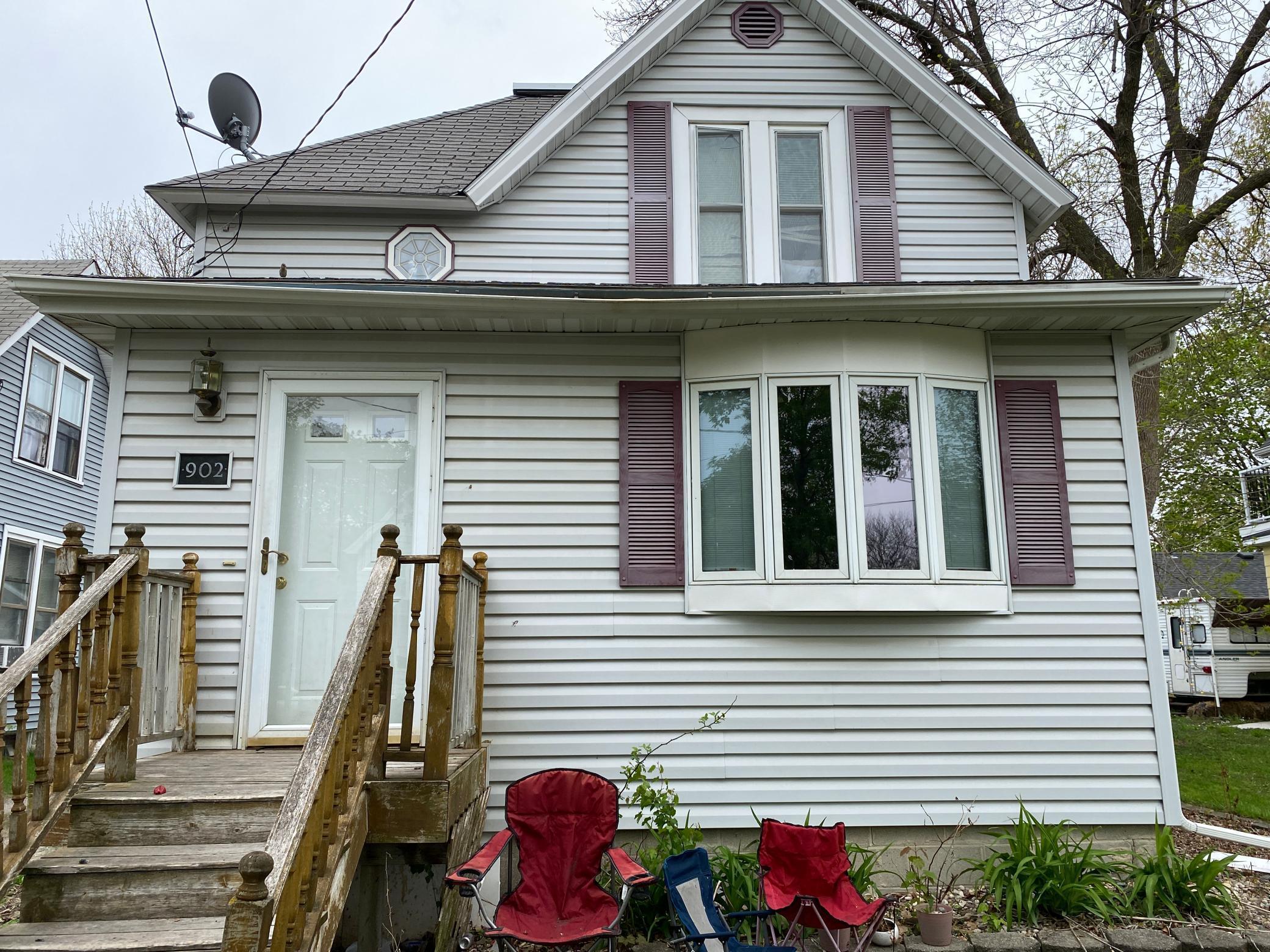 902 Frank Avenue Property Photo 1