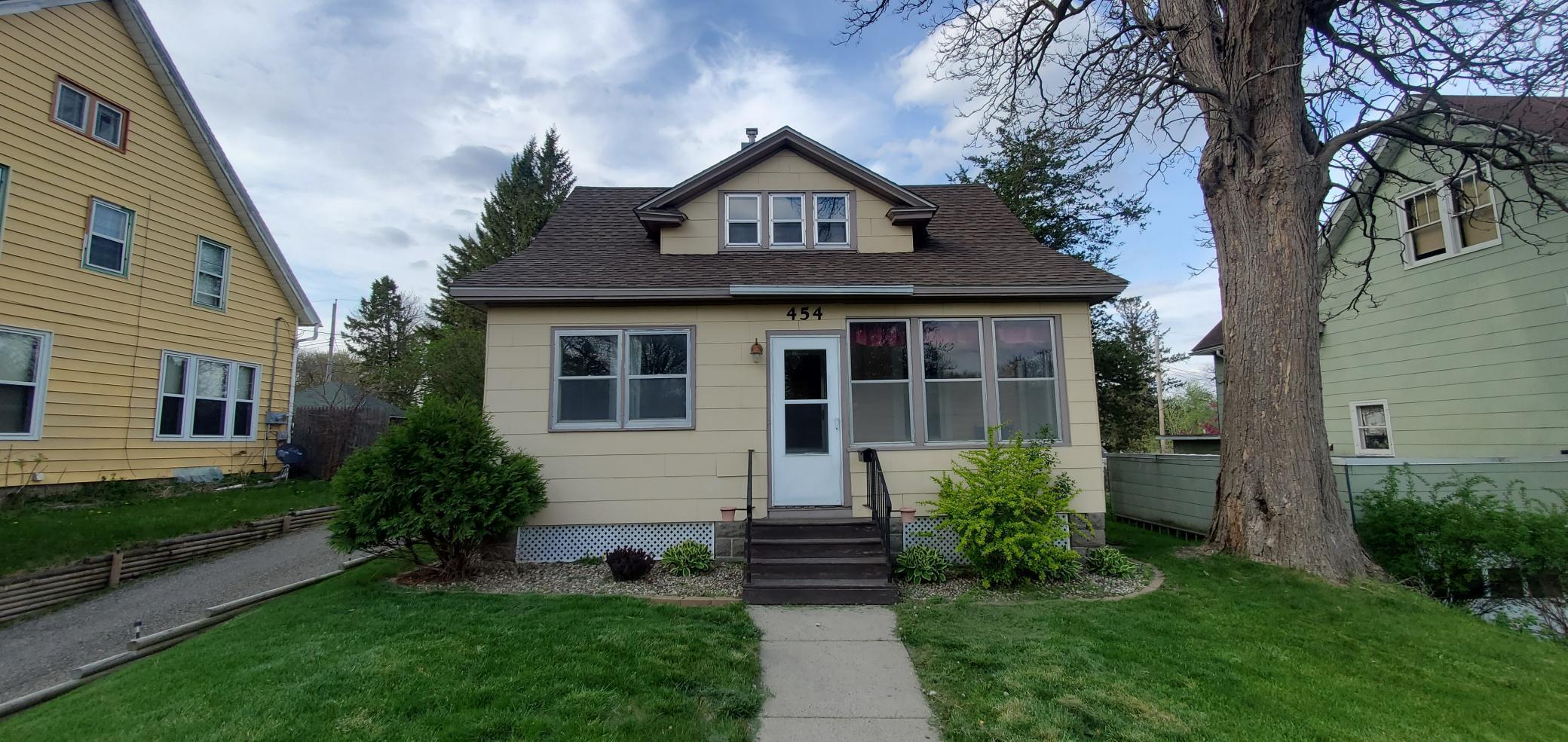 454 W Bridge Street Property Photo 1