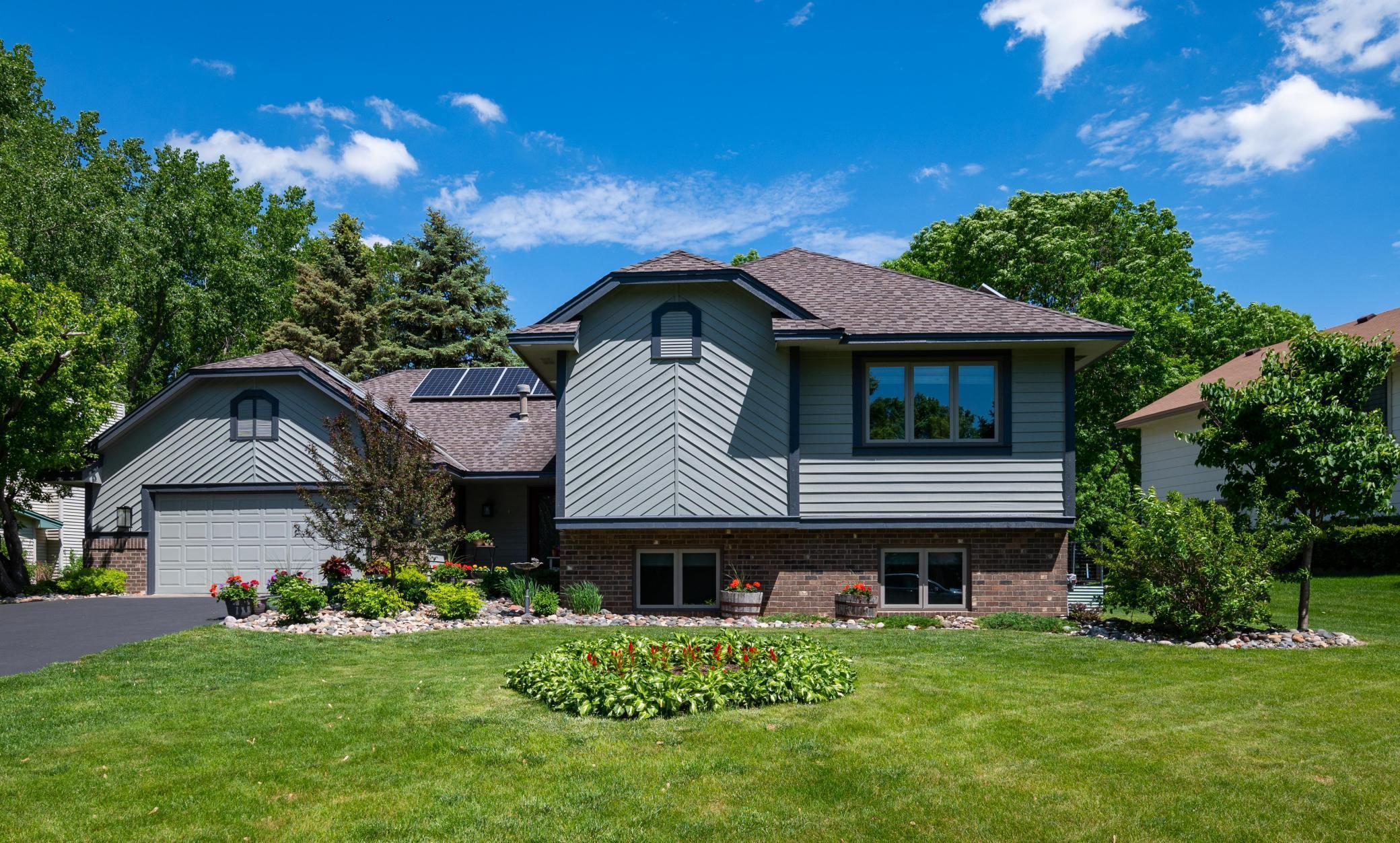 8494 Underwood Lane N Property Photo 1