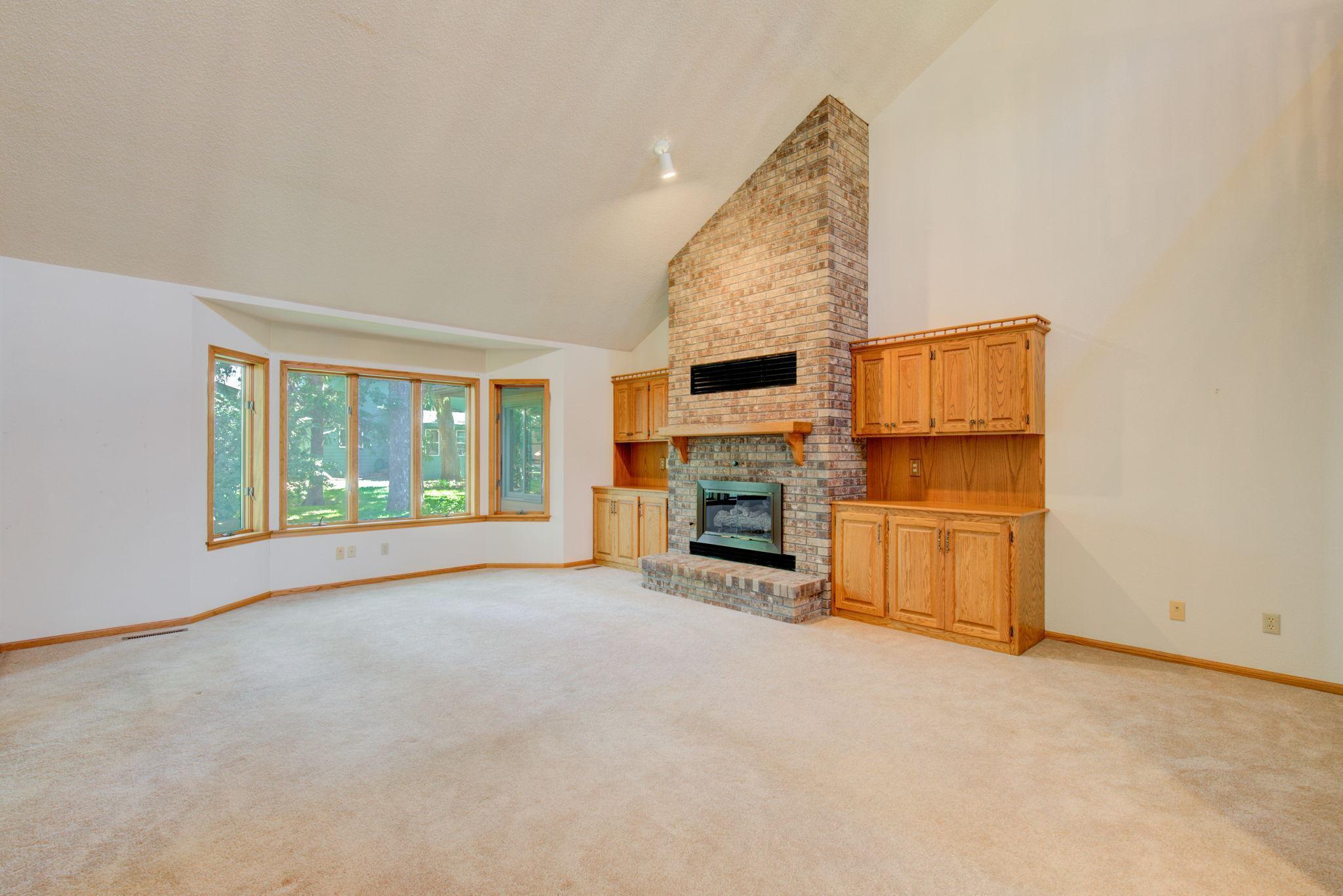 965 22nd Street Se Property Photo 1