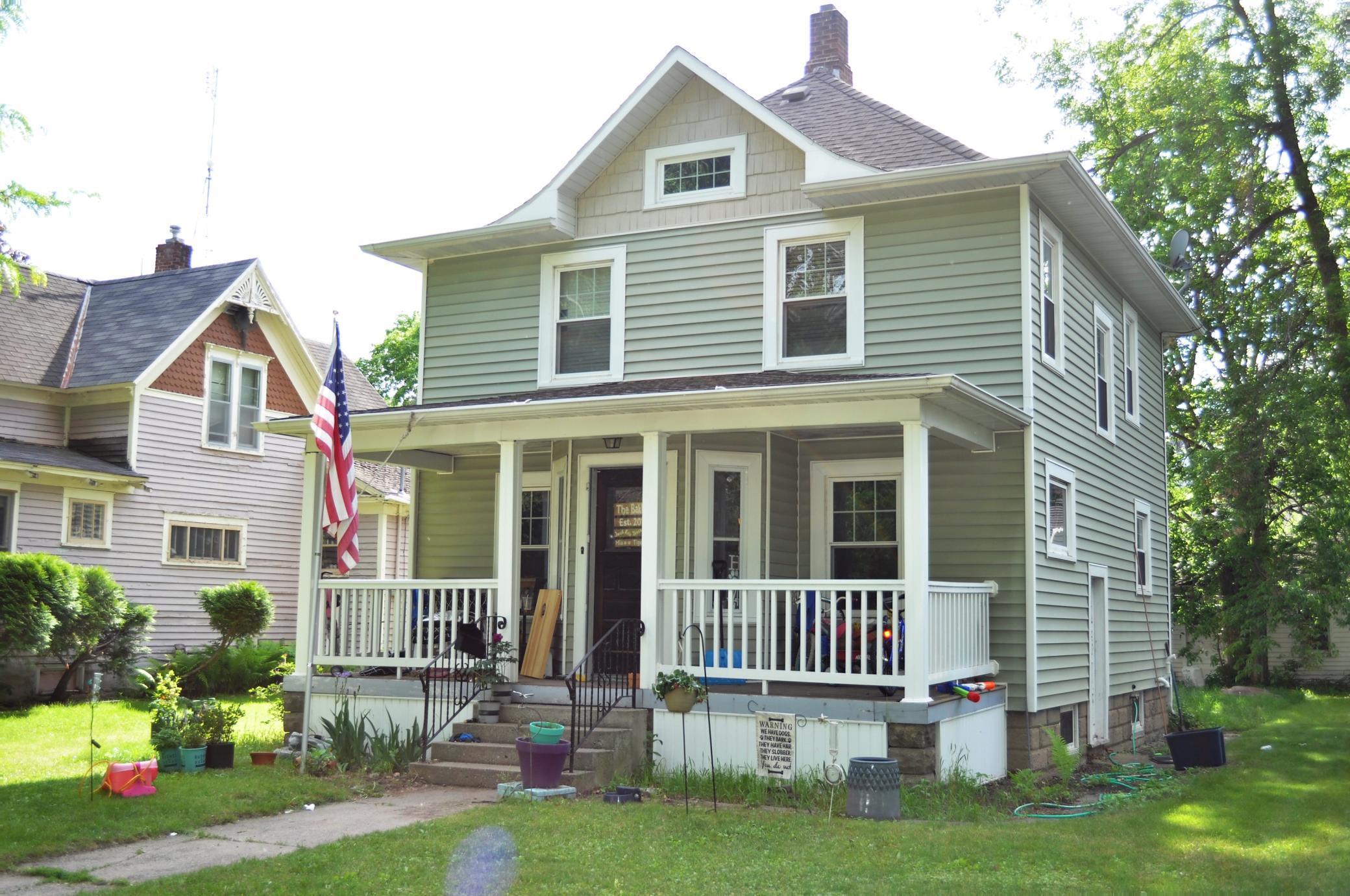 107 S 6th Street Property Photo 1