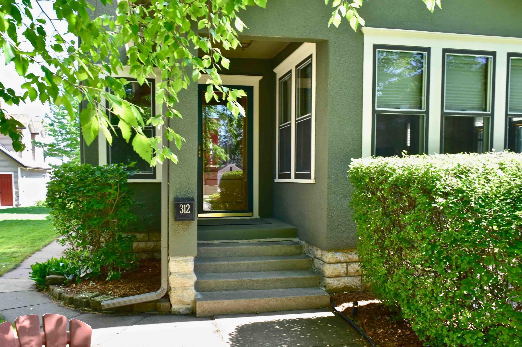 312 E 5th Street Property Photo 1