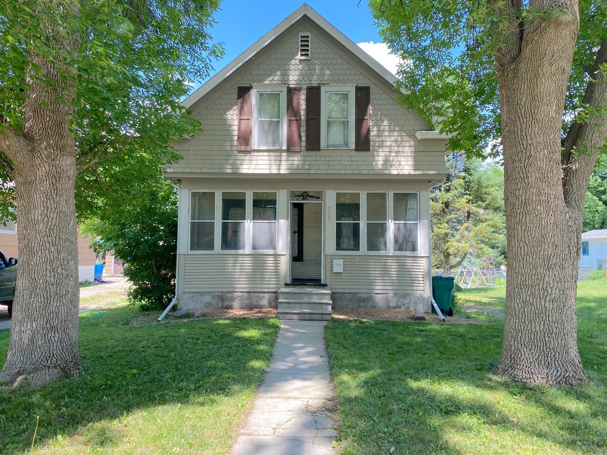 323 E 3rd Street Property Photo 1