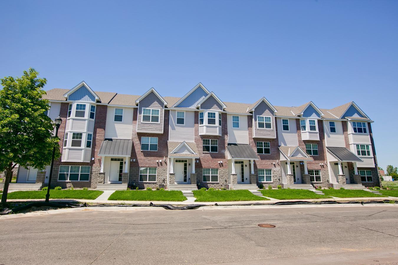 11802 Emery Oaks Lane N Property Photo 1