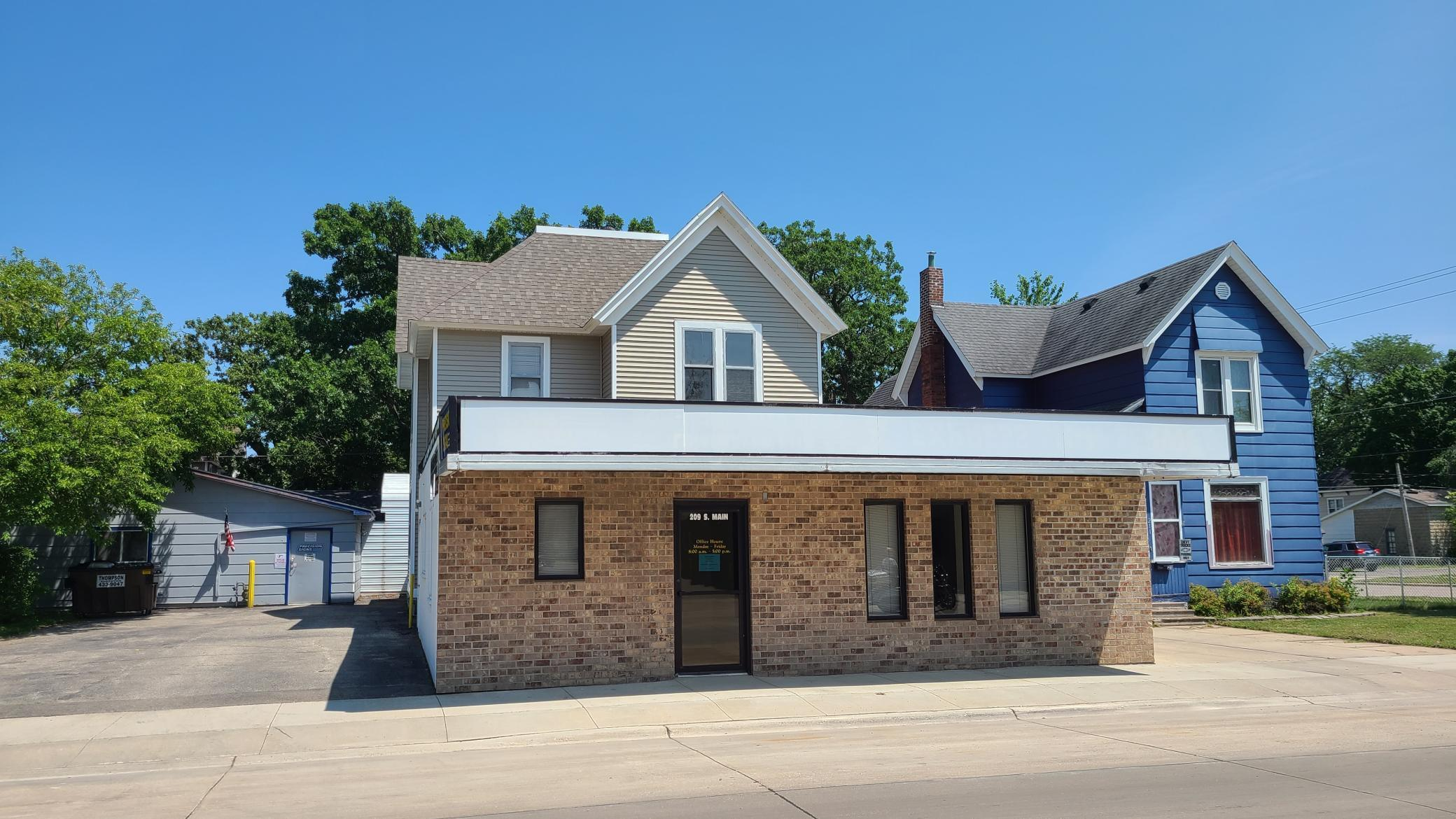 207 S Main Street Property Photo 1