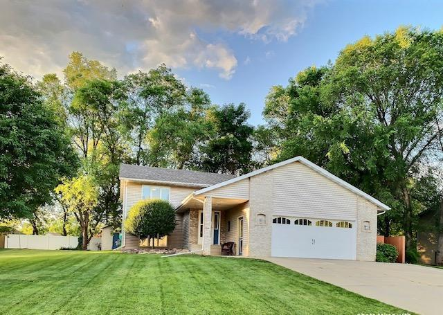 210 Ridgecrest Drive Property Photo 1