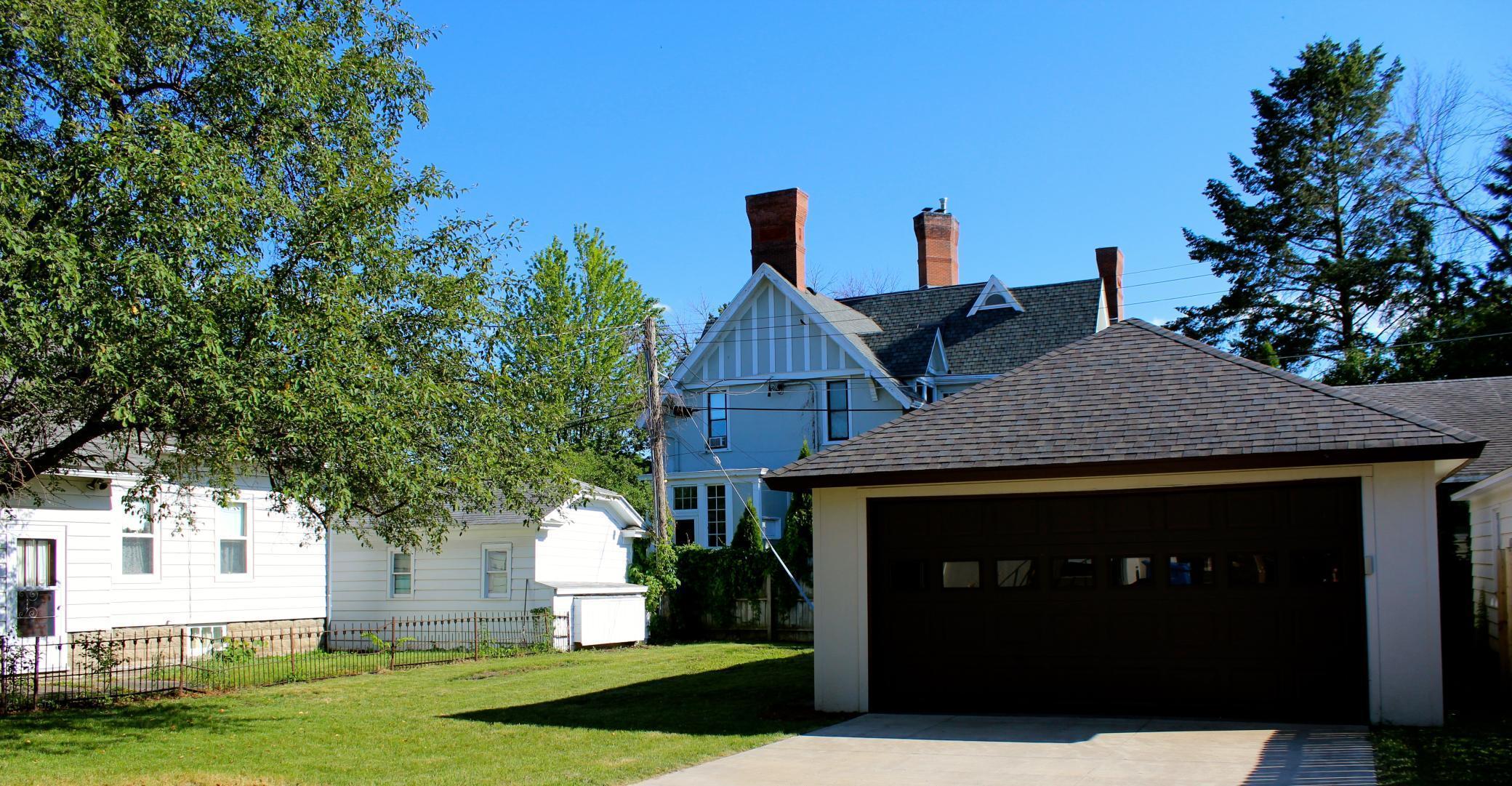 273 E 5th Street Property Photo 1