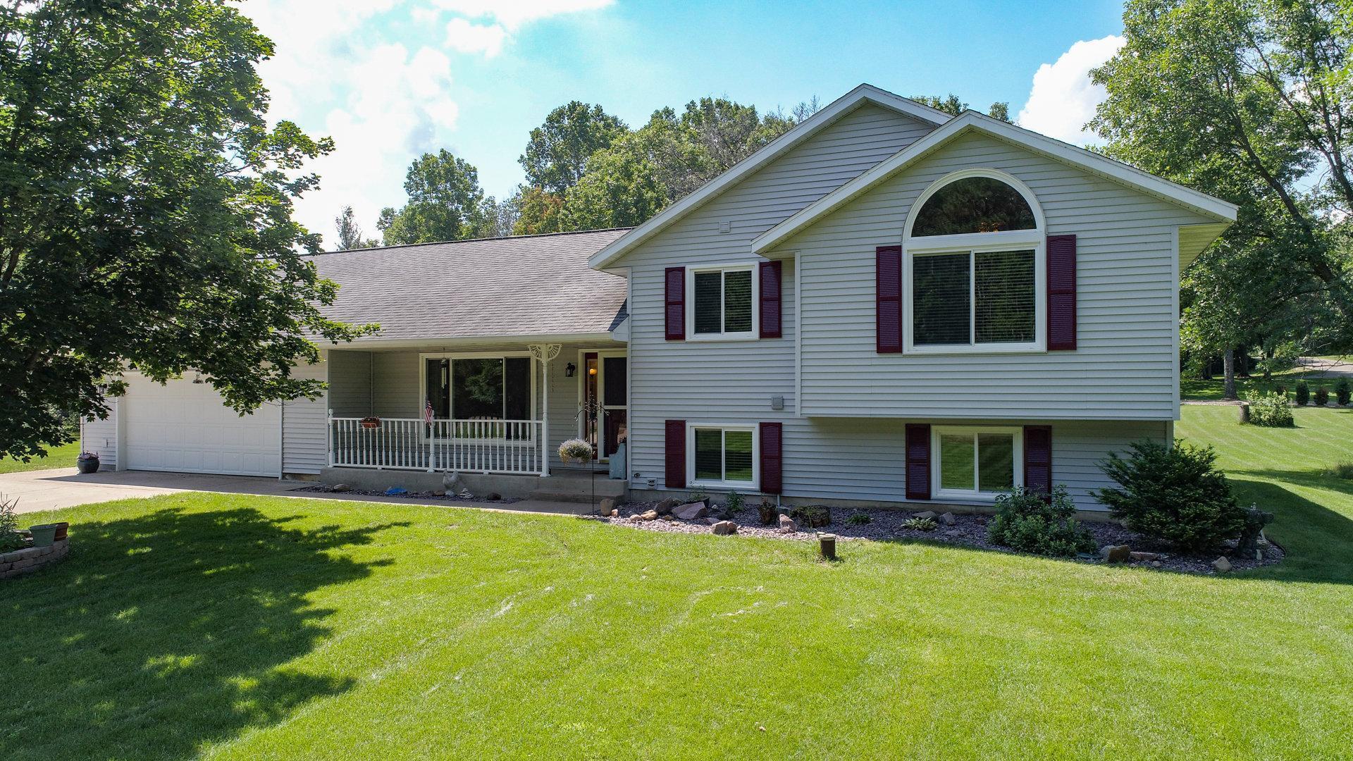 9801 Pine Road Property Photo