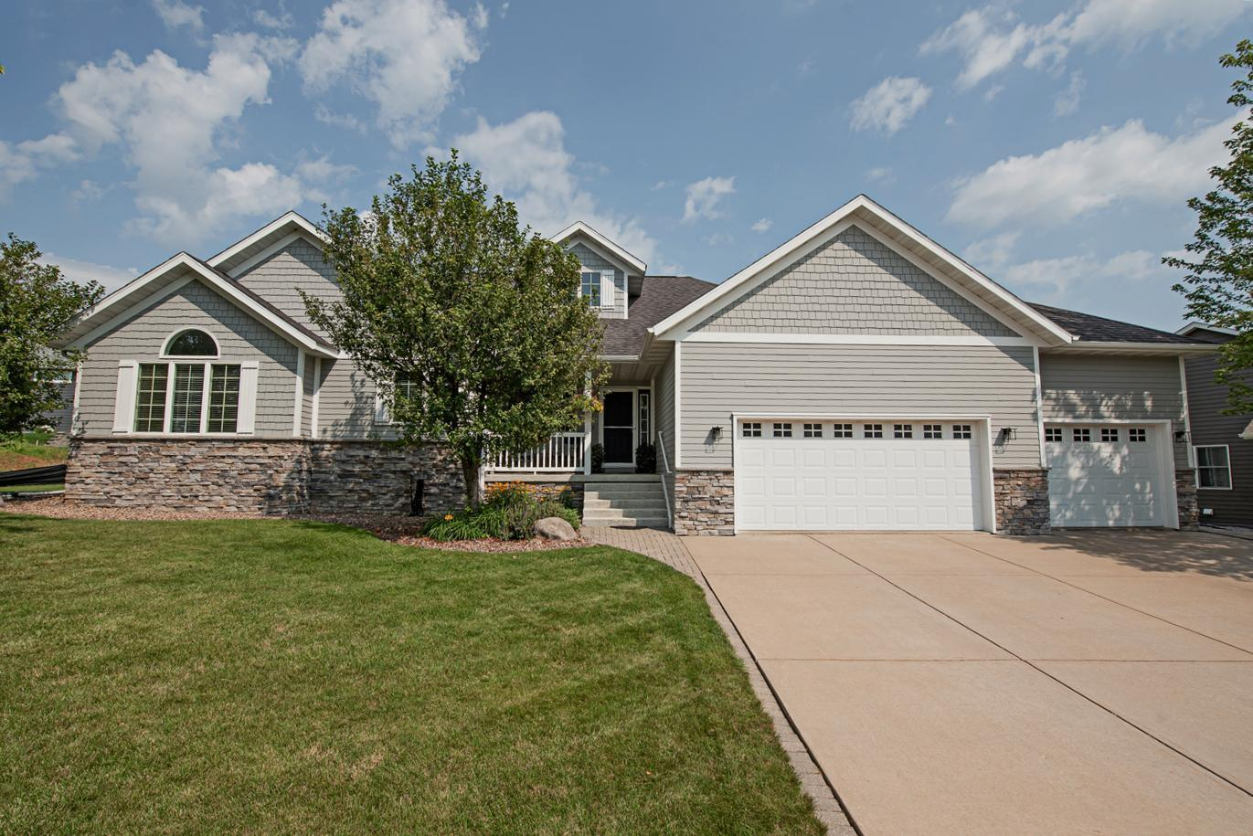 1412 Highland Drive Property Photo 1