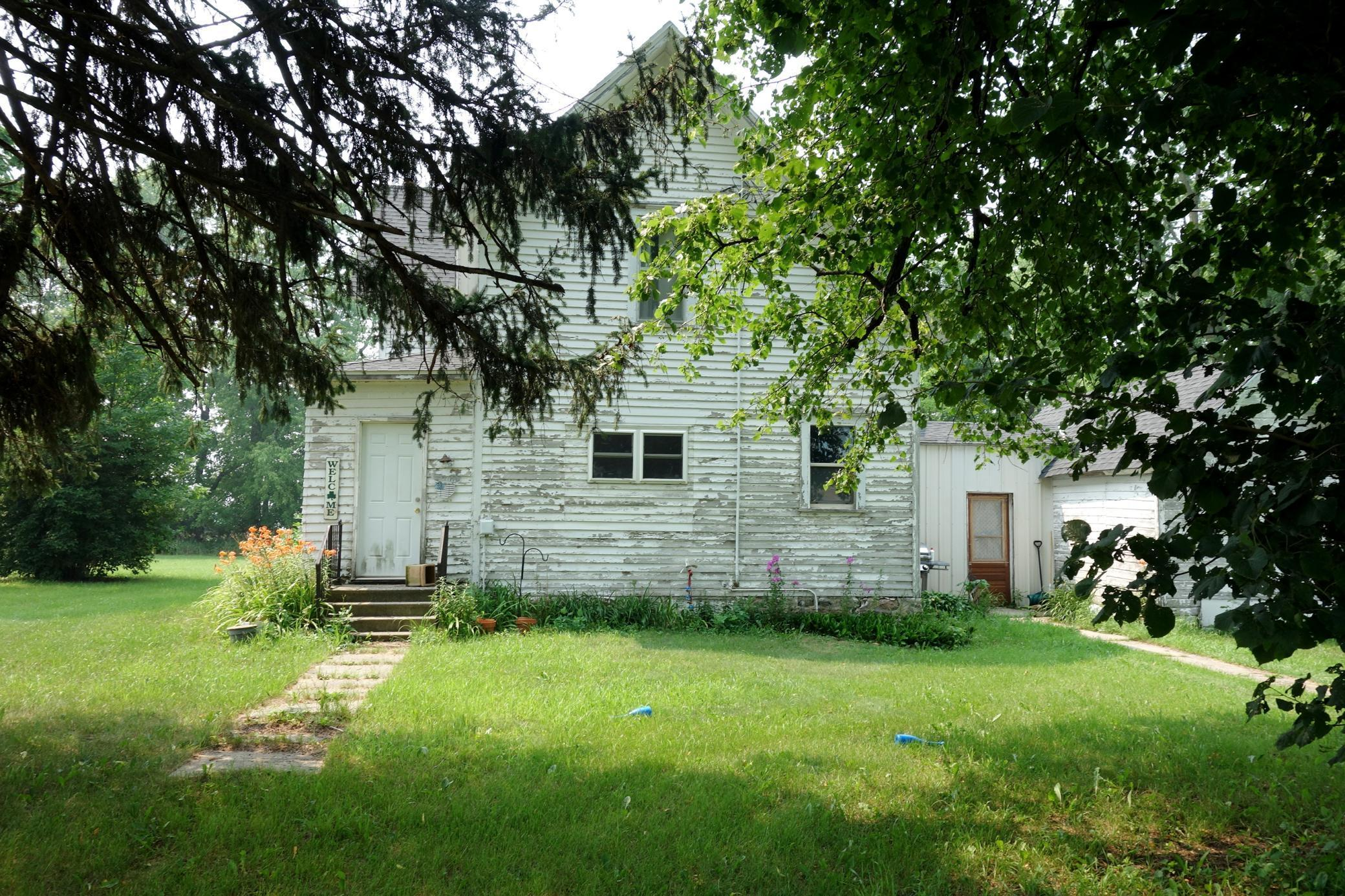 53184 335th Street Property Photo 1