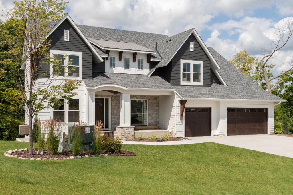 769 Woodland Hill Property Photo