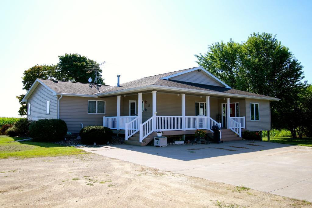 21981 White Avenue Property Photo