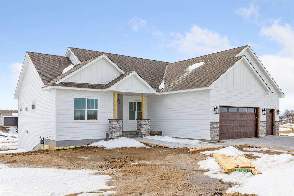 4265 Inland N Property Photo