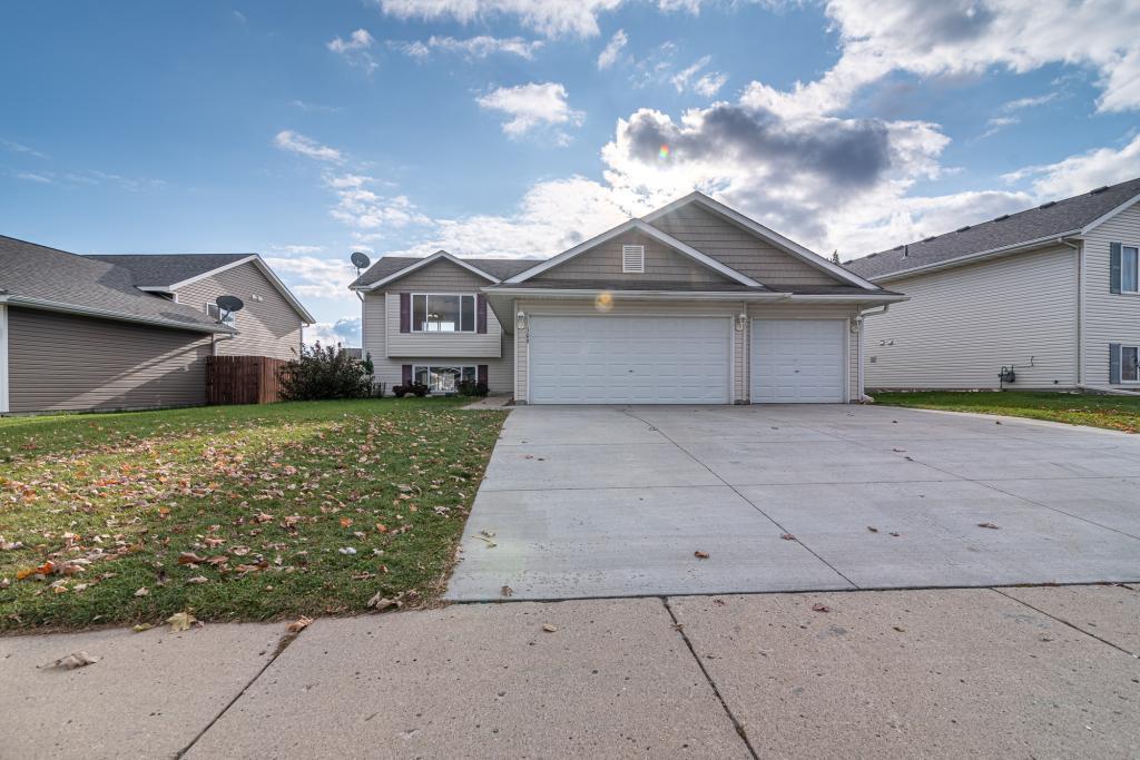 109 Gambrelle Property Photo