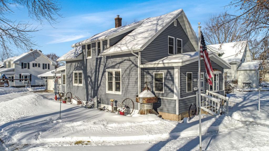 1121 Oak Property Photo