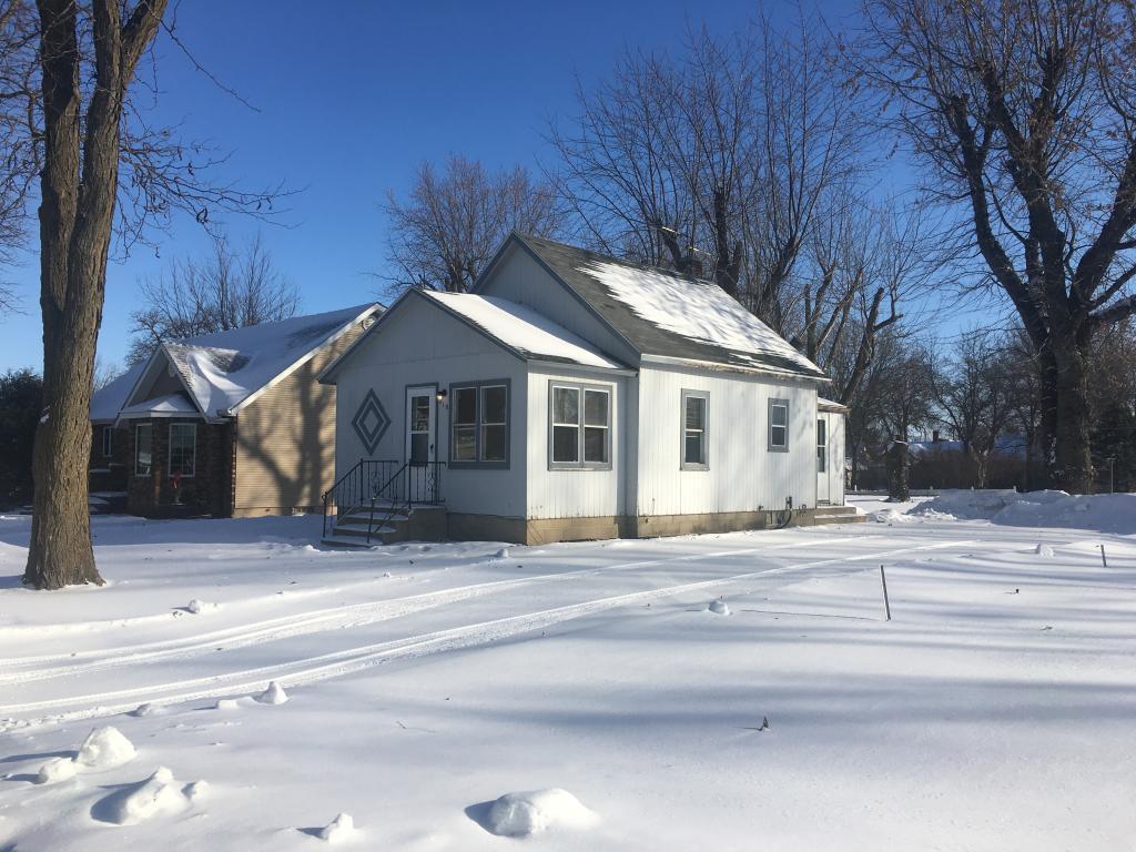 210 Lawton Property Photo