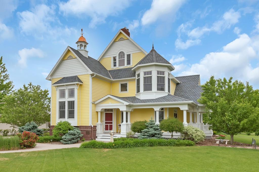 325 Highland Ne Property Photo