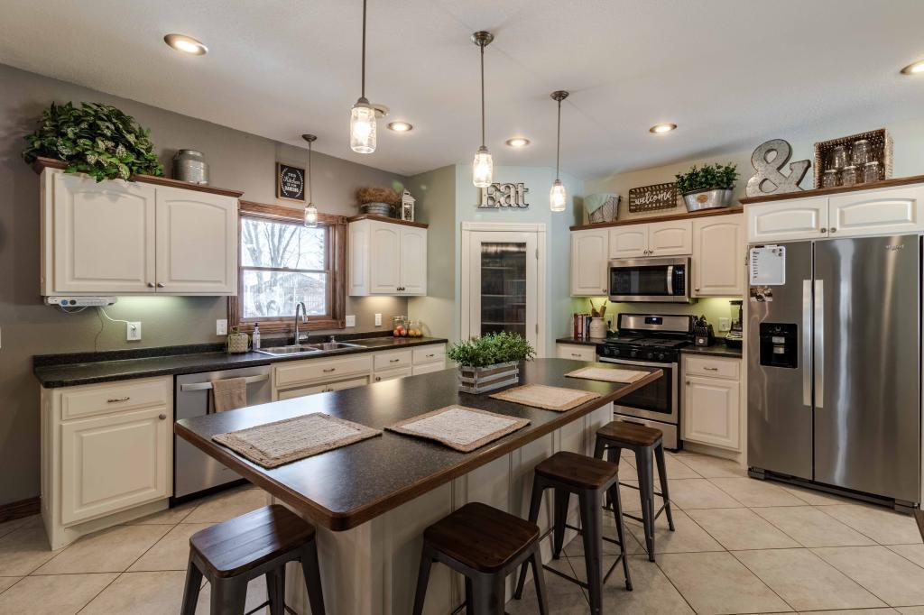 39218 62nd Property Photo