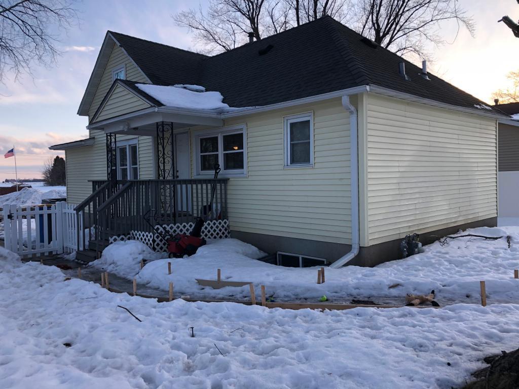 124 3rd Street SE Property Photo