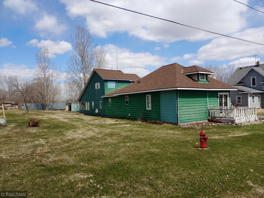 301 River Street W Property Photo