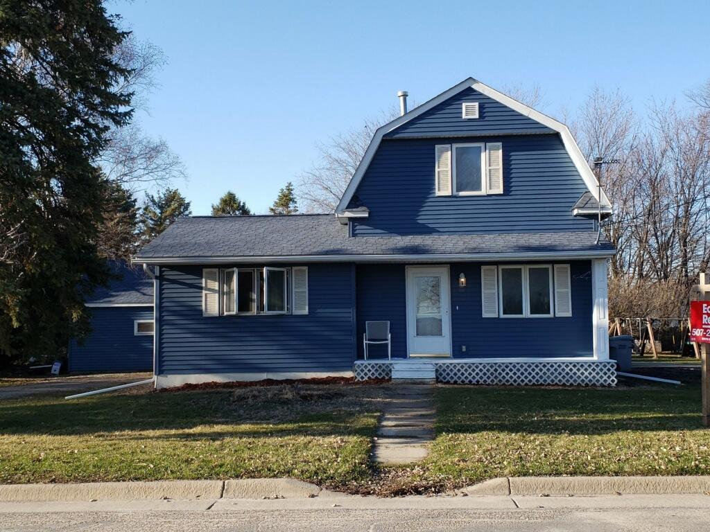 908 Main Property Photo