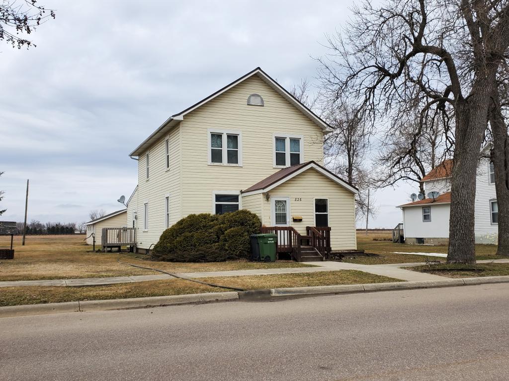 826 2nd Ave Property Photo