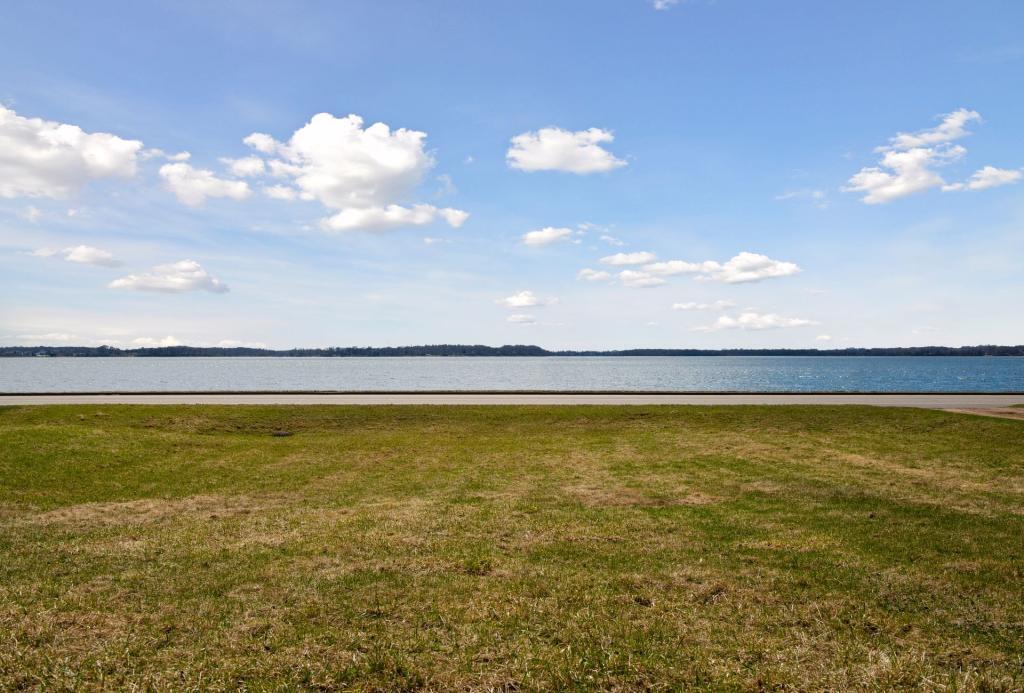 411 Lake Nw Property Photo