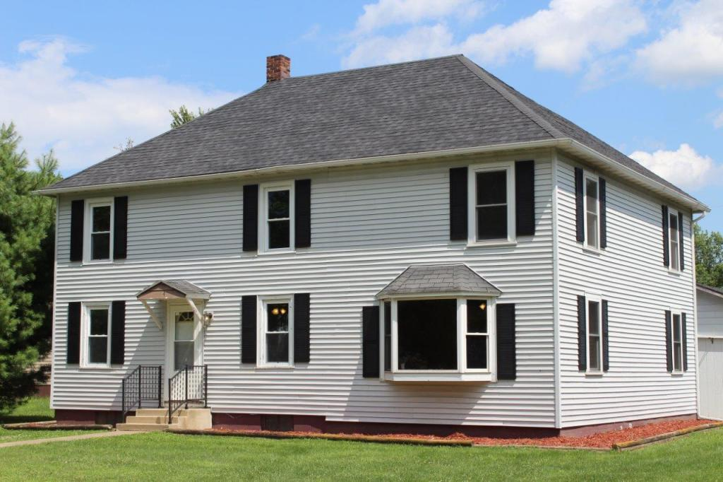 104 3rd Property Photo