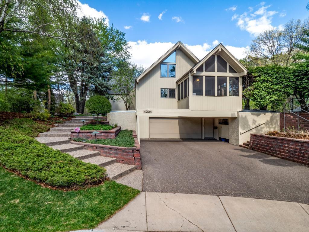 4004 Roanoke Property Photo