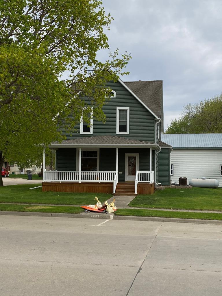 323 Maine Avenue Property Photo