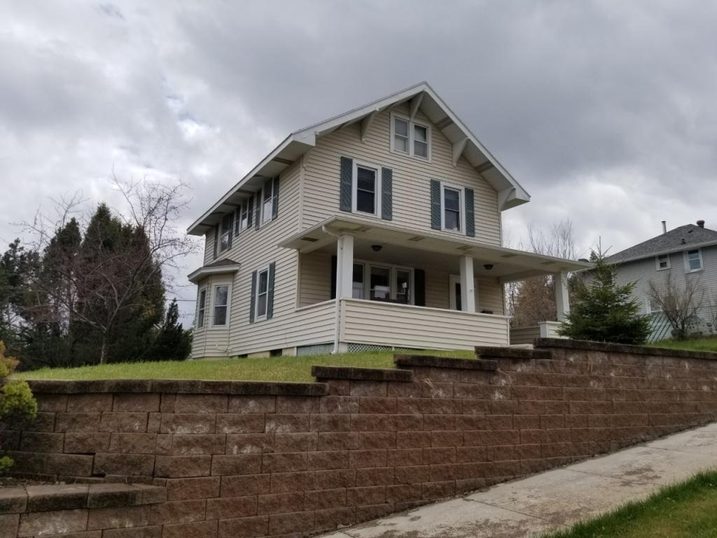 202 Avenue E Property Photo