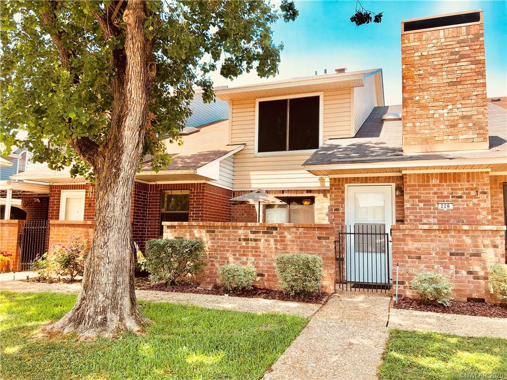 Greenacres Place Twnhses Real Estate Listings Main Image