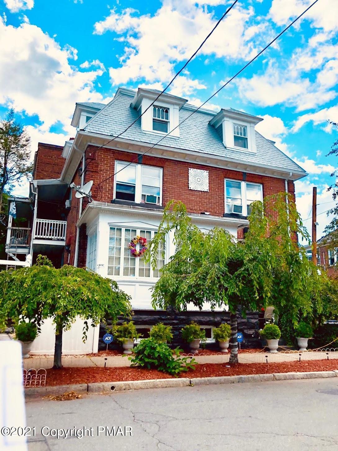 533 S Franklin St Property Photo