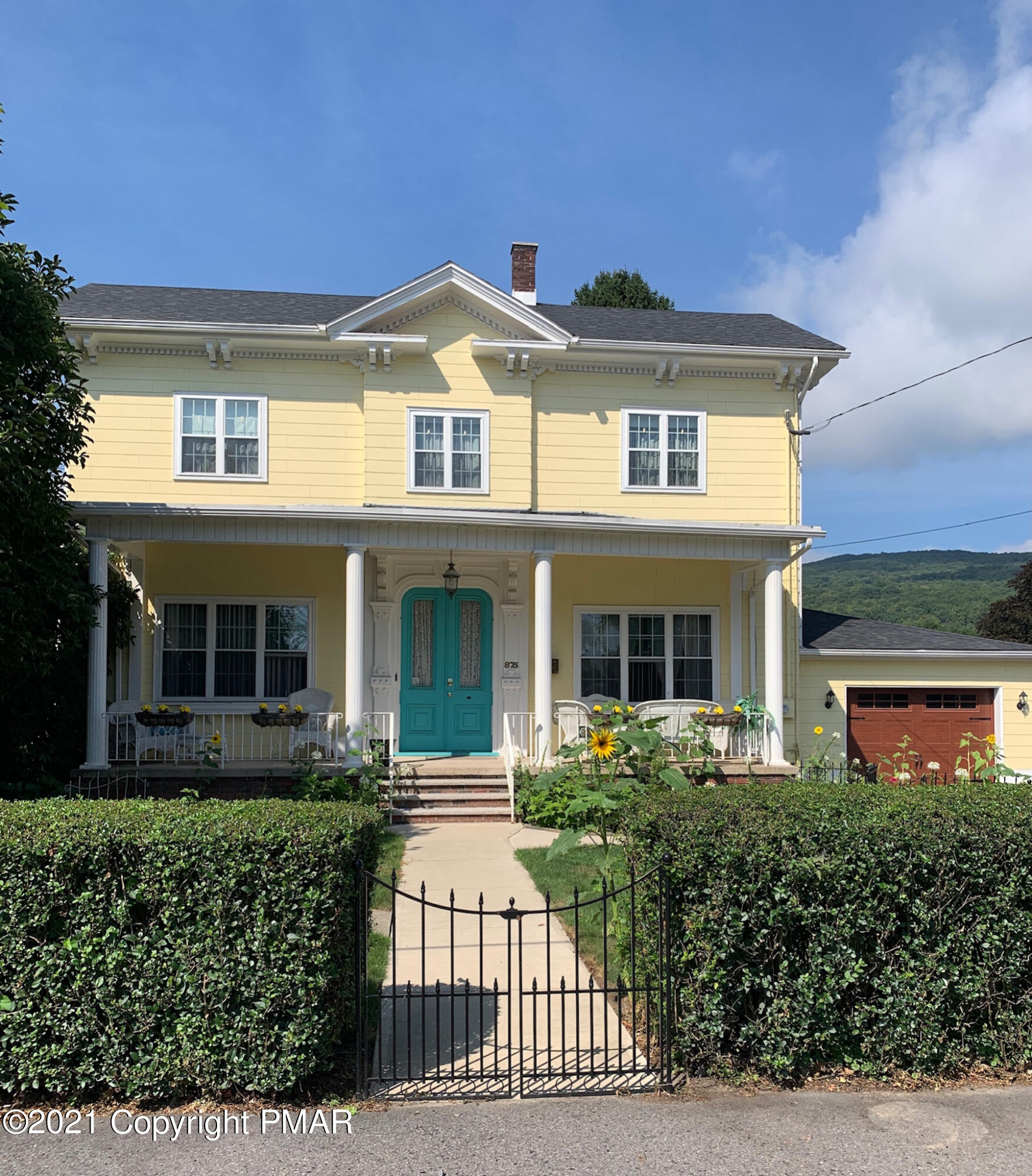 875 Exeter Ave Property Photo 1