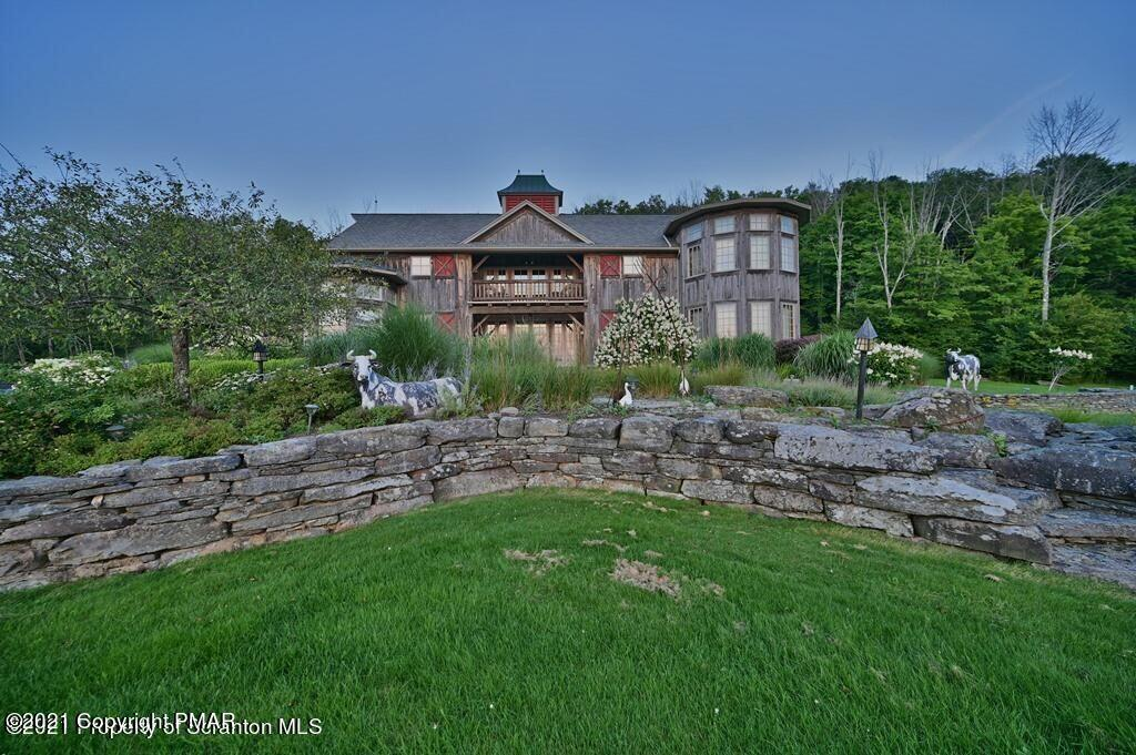 654 Butterfield Road Property Photo