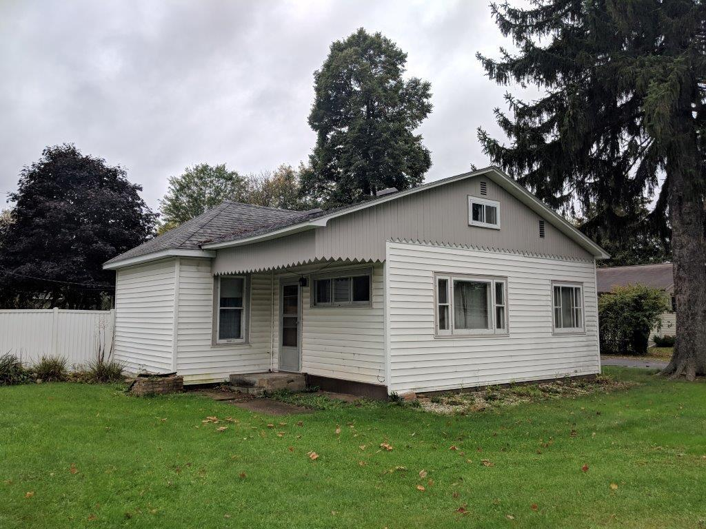 220 College Avenue W Property Photo