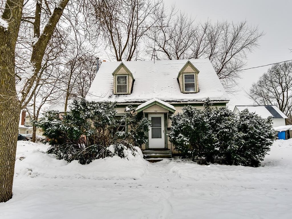 710 12th Avenue E #1 Property Photo