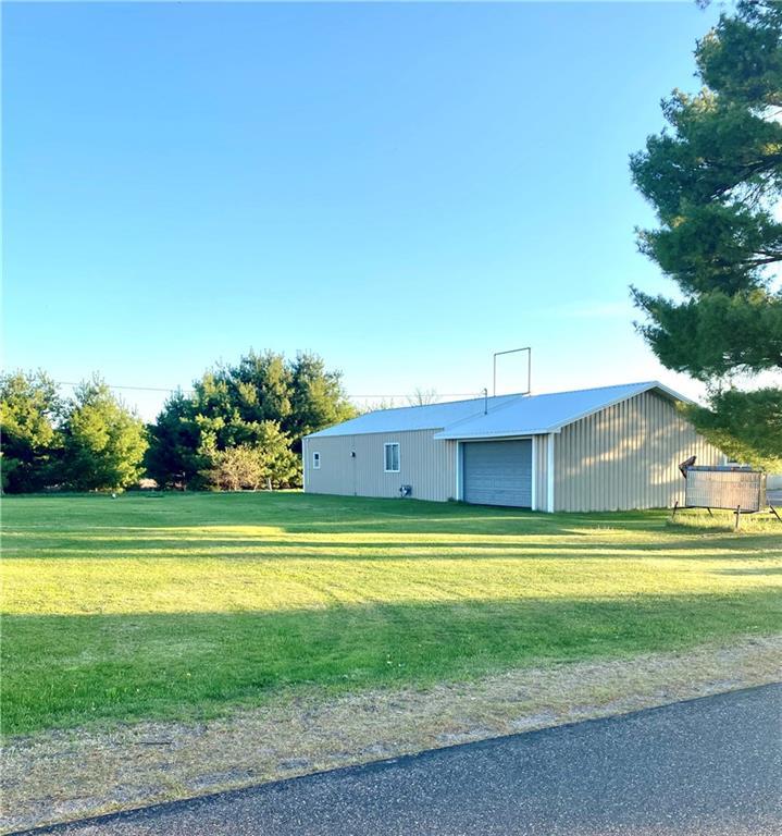 15927 W Company Lake Road Property Photo