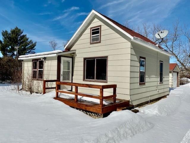 15484 Davis Avenue Property Photo