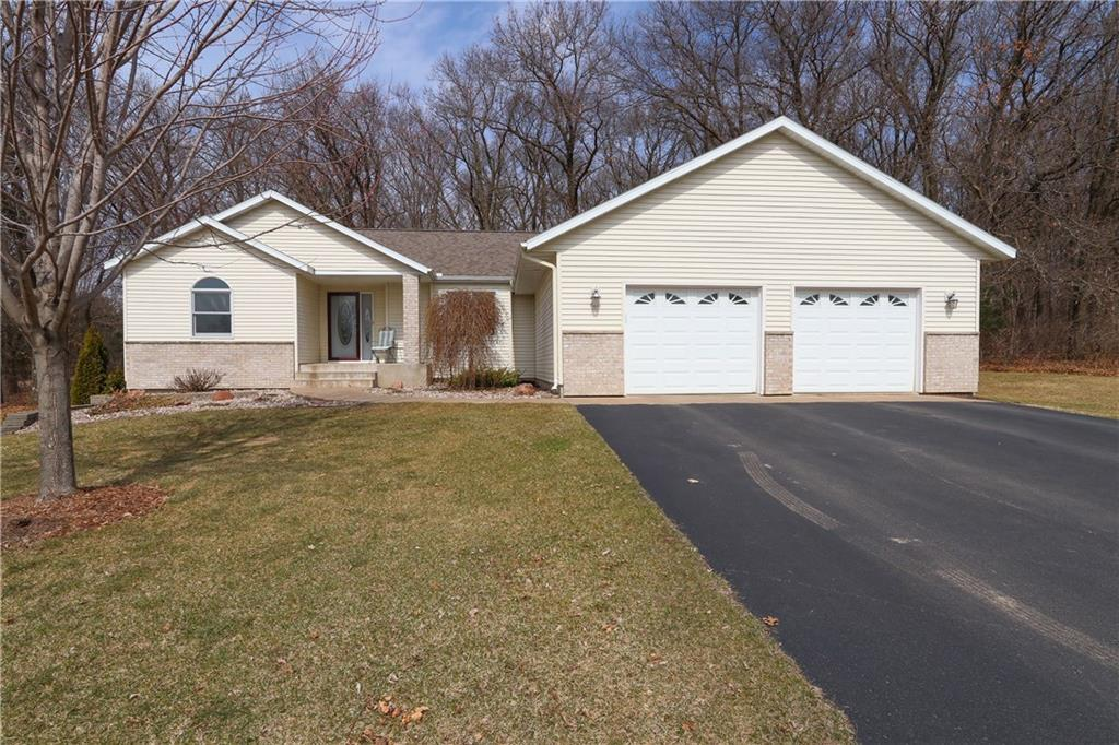 E4460 Interlachen Boulevard Property Photo - Eleva, WI real estate listing