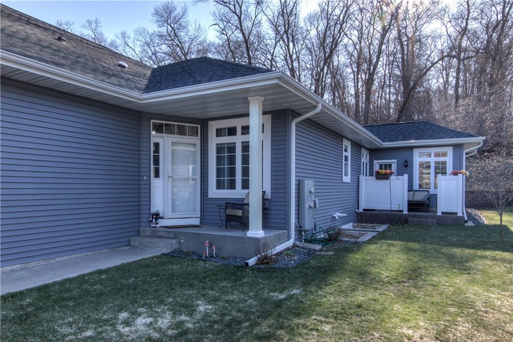 4535 Village Oaks Circle Property Photo