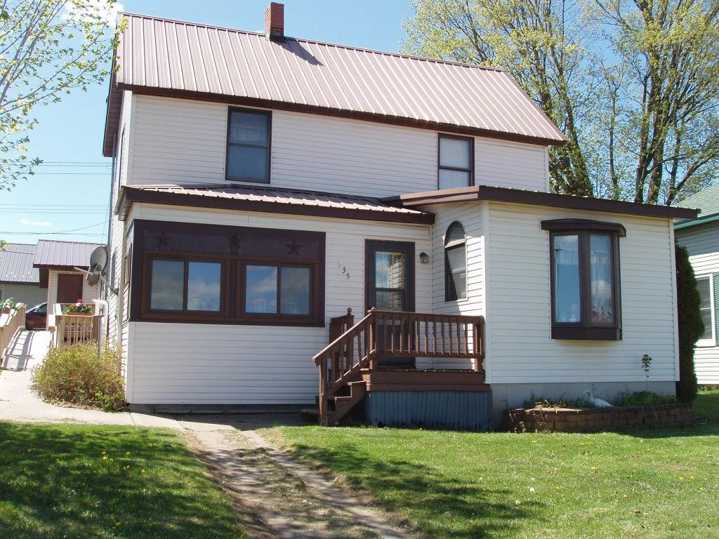 235 4th Ave N Property Photo