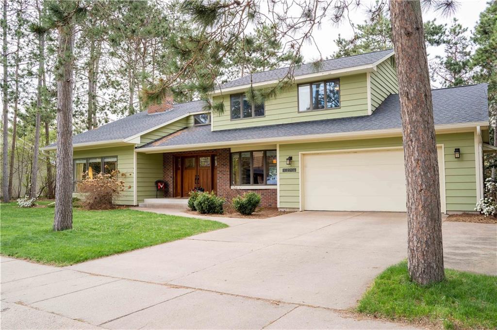 1216 White Pine Drive N Property Photo