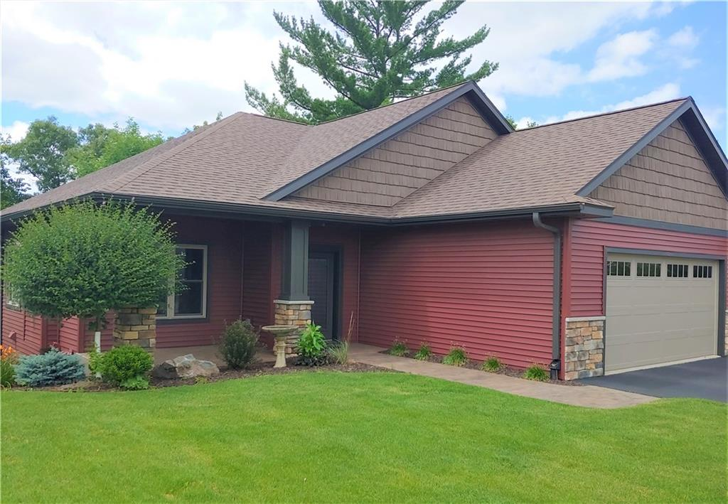414 Club View Lane Property Photo - Altoona, WI real estate listing