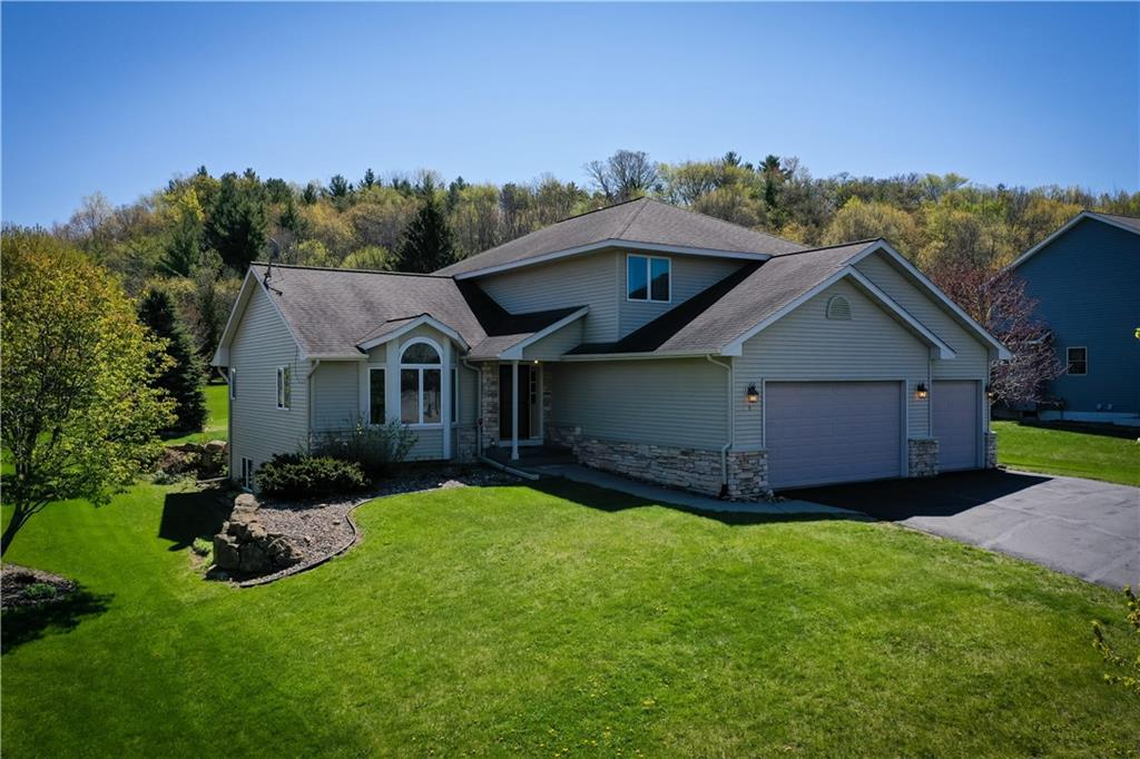 158 Sunwood Valley Lane, River Falls, WI 54022 - River Falls, WI real estate listing