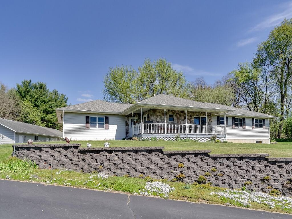 630 W Riverside Avenue, Mondovi, WI 54755 - Mondovi, WI real estate listing