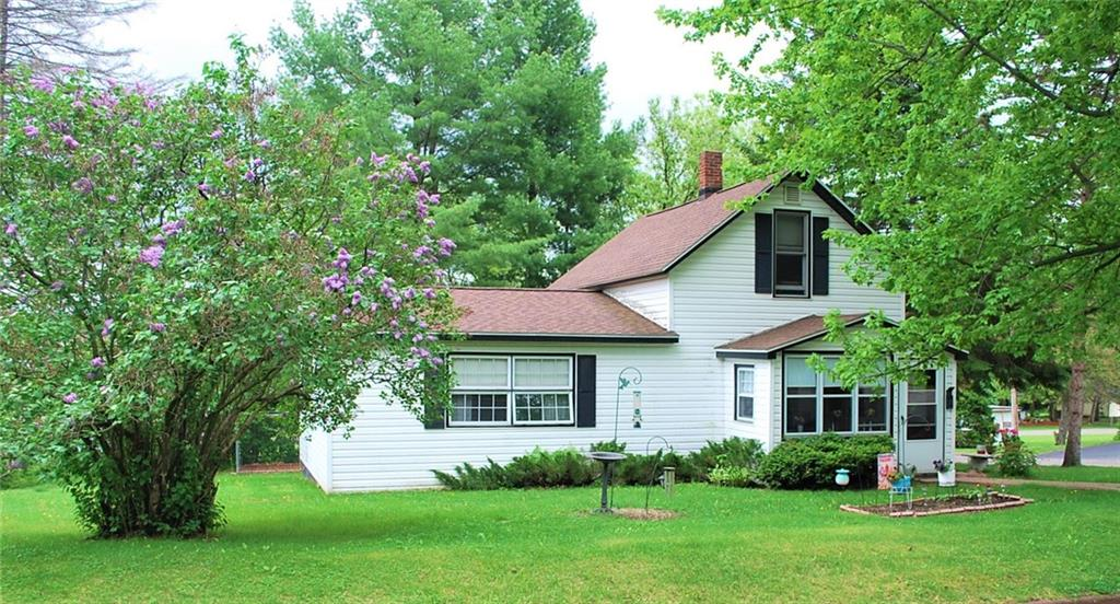 415 E 11th Street S Property Photo - Ladysmith, WI real estate listing