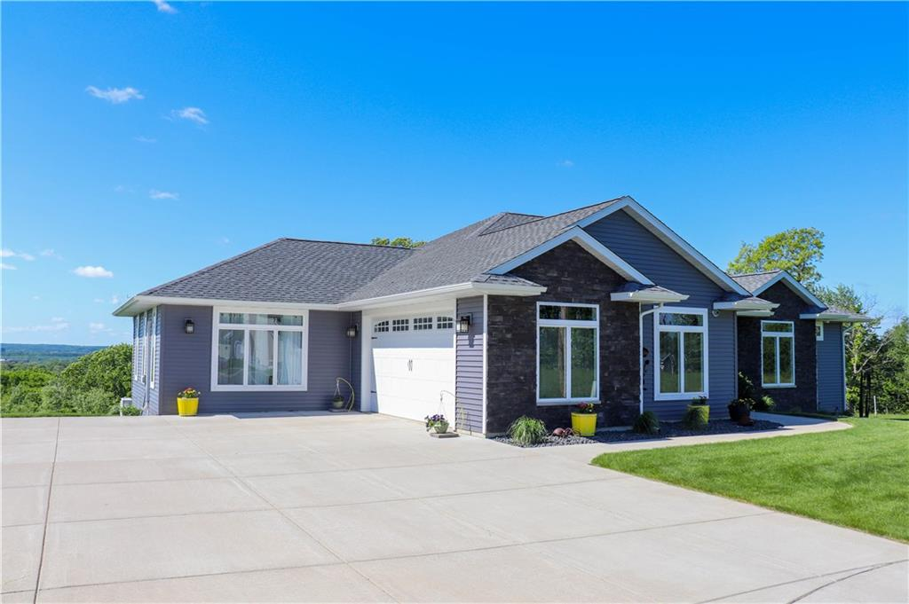 4019 Highview Drive Property Photo - Eau Claire, WI real estate listing