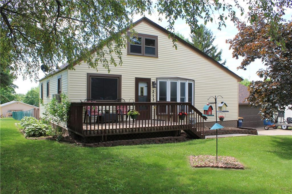 213 West Summit Avenue Property Photo - Ellsworth, WI real estate listing